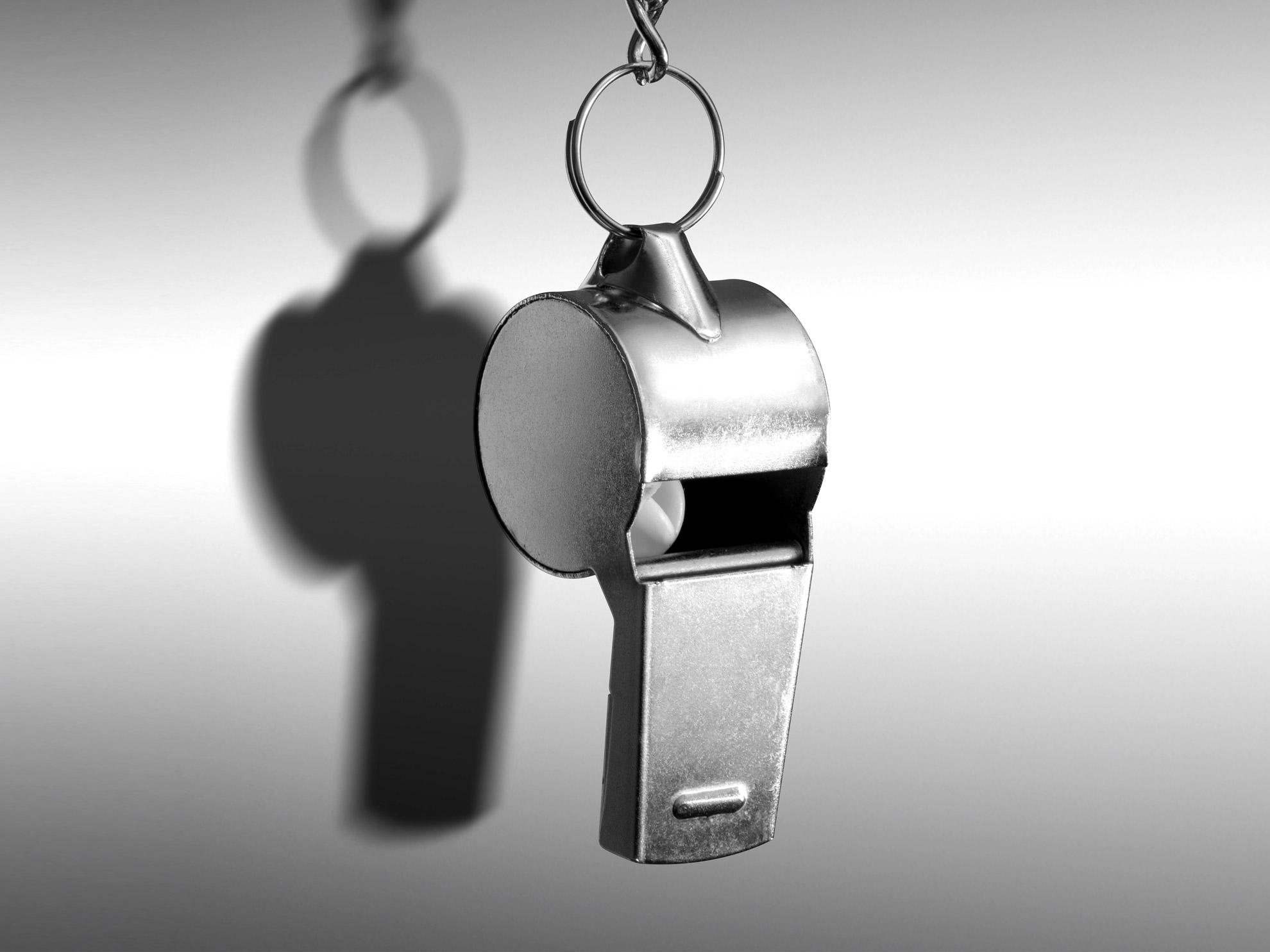 Whistleblowing: scadenze, sanzioni e requisiti di un software compliant